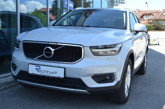 Volvo XC40 D4 Momentum Pro AWD Geartronic bei Autohaus Reichhart in