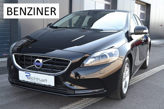Volvo V40 T2 Kinetic bei Autohaus Reichhart in