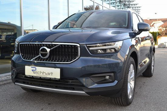 Volvo XC40 B4 AWD Momentum Pro Geartronic bei Autohaus Reichhart in