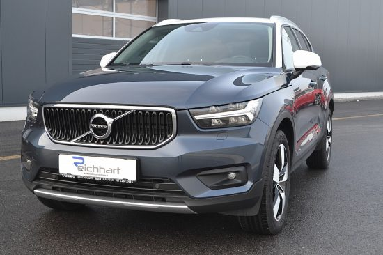 Volvo XC40 T2 Momentum Pro Geartronic bei Autohaus Reichhart in